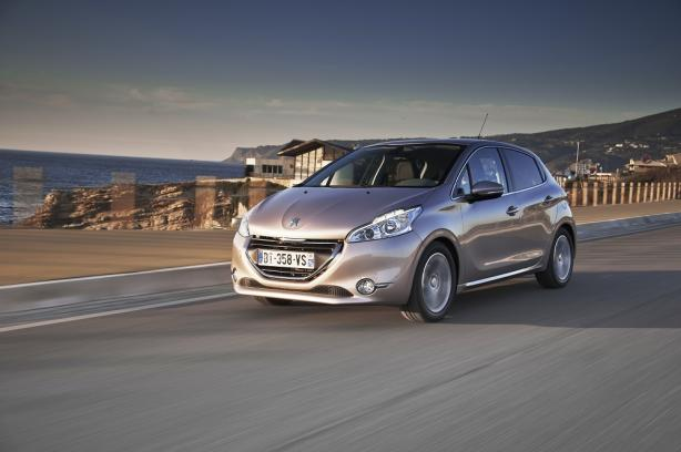 peugeot 208 exemples de tarifs en location longue dur e lld. Black Bedroom Furniture Sets. Home Design Ideas