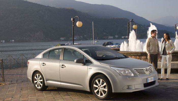 lld toyota avensis toyota avensis en lld location longue dur e toyota avensis. Black Bedroom Furniture Sets. Home Design Ideas